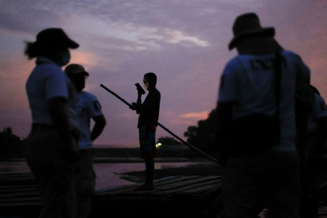 México militariza la frontera sur ante nueva caravana migrante