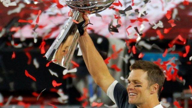 """Super Bowl 2021: Tom Brady, el """"hombre perfecto"""" que acaba de ganar su 7º título con el triunfo de los Buccaneers sobre los Chiefs"""