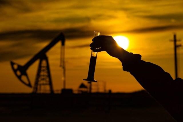 Juez otorga primera suspensión provisional a la Ley de Hidrocarburos de AMLO