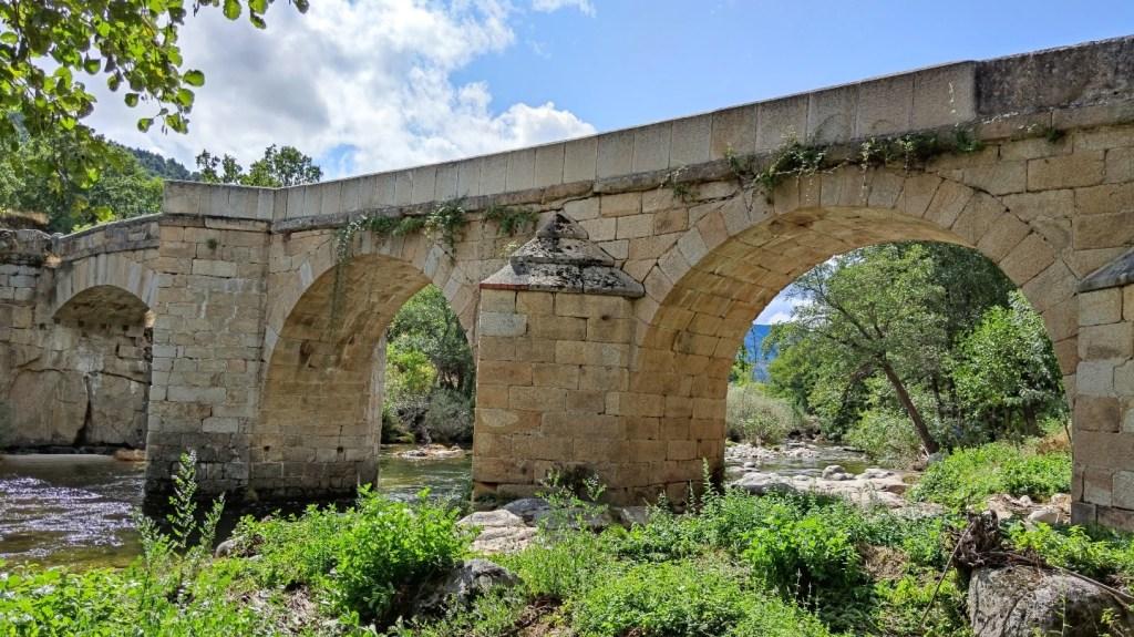 Lateral del puente