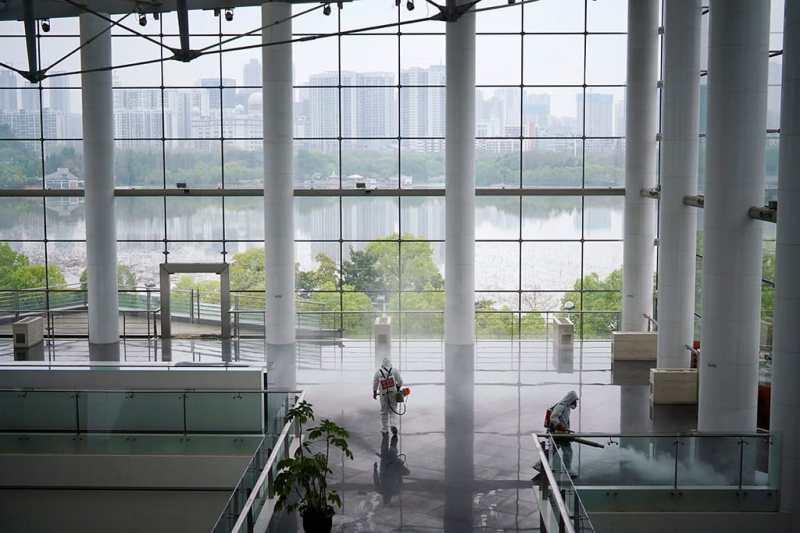 Il piano di emergenza attuato a Wuhan include l'implementazione di un lockdown obbligatorio - Storia del coronavirus