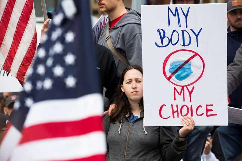 Le proteste contro il lockdown di alcuni sostenitori pro-Trump - Storia del coronavirus