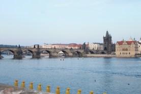 Le Pont Charles sous le soleil