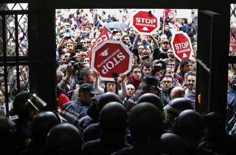 20121115111523-desahucios-contra
