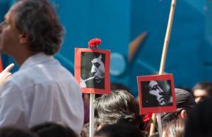 Funeral por Victor Jara en 2009. Foto: RODRIGO VAN BEBBER RIOS