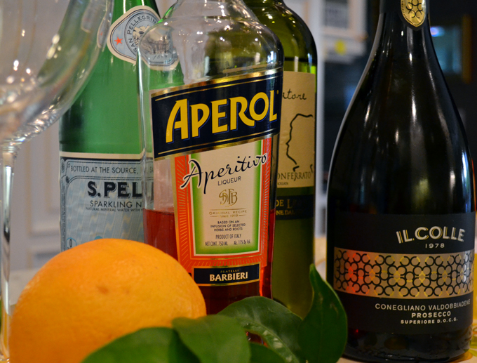 Time to mix an Aperol Spritz | labellasorella.com