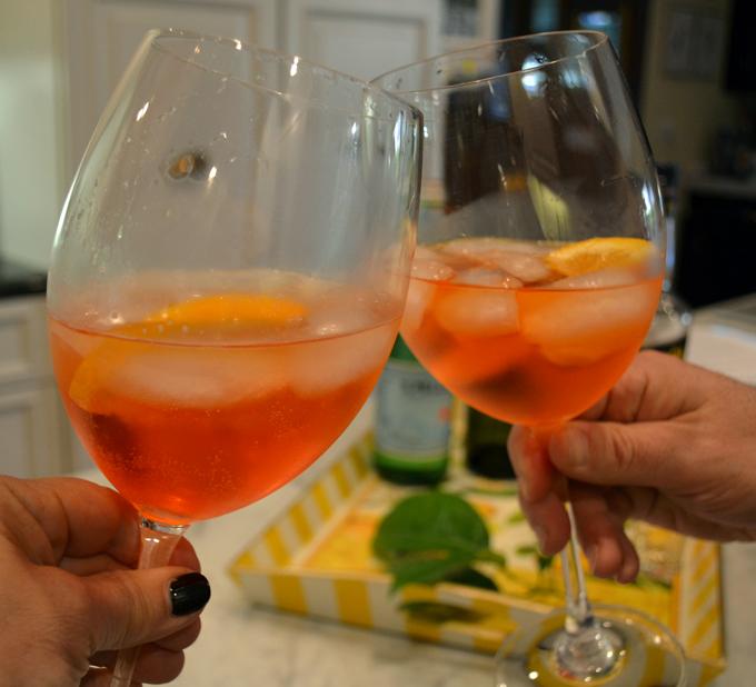 Salute, it's finally time for our Spritz   labellasorella.com