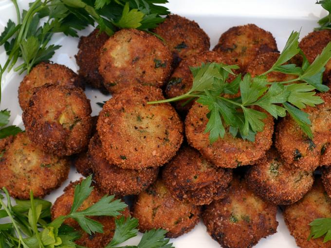 Bite size morsels of deliciousness, Eggplant Polpette / Eggplant Meatballs | labellasorella.com