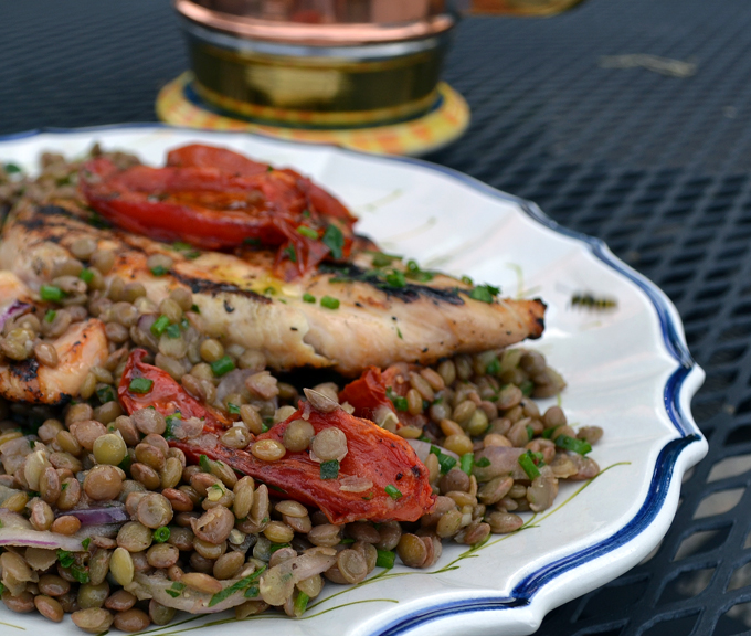Grilled chicken breasts with lentil salad | labellasorella.com