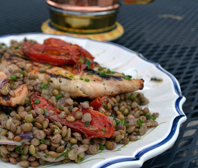Grilled chicken breasts with lentil salad | labellasorella.com