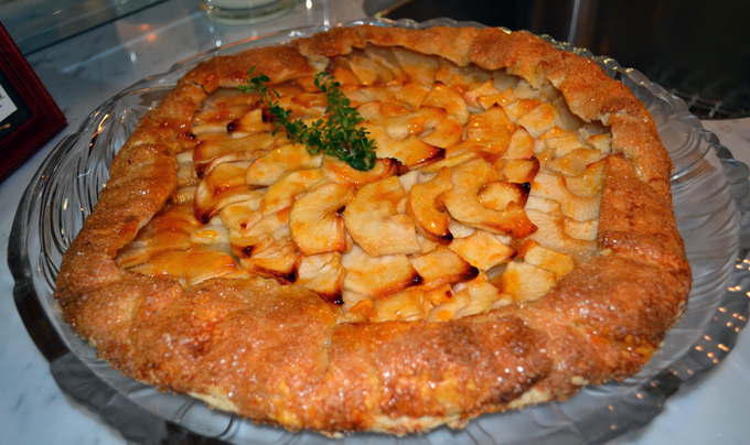 Apple Galette another family favorite | labellasorella.com