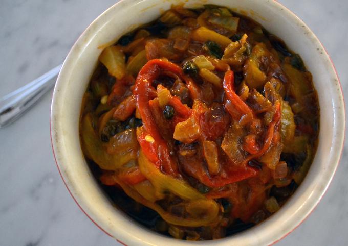 Peperonata originally a Southern Italian dish | labellasorella.com