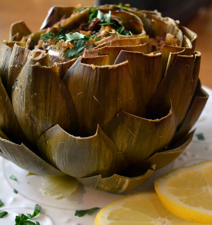 The regal Stuffed Artichoke | labellasorella.com