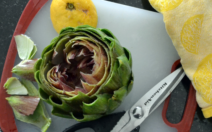 Trimming the artichoke | labellasorella.com