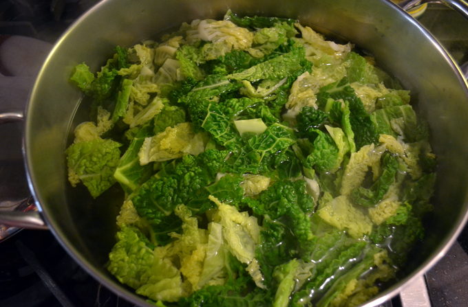 Braising the cabbage | labellasorella.com