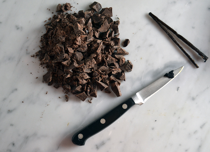 Hand chopped bittersweet chocolate | labellasorella.com