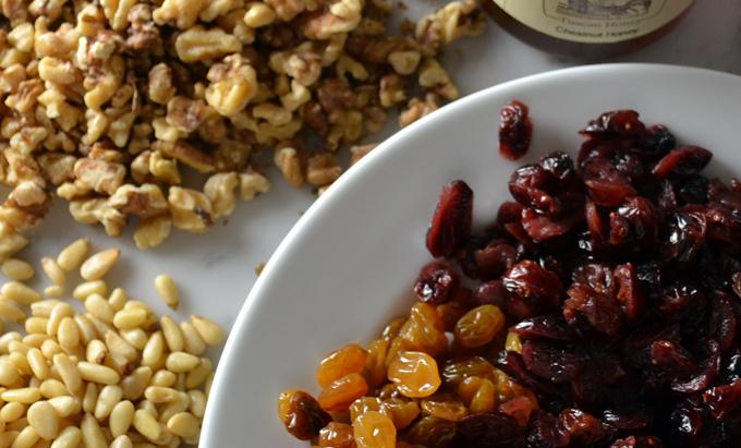 Dried fruit & nuts for the Chestnut Cake | labellasorella.com