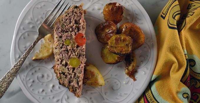 Dinner is served, Veal Meatloaf or Polpettone di Vitello | labellasorella.com
