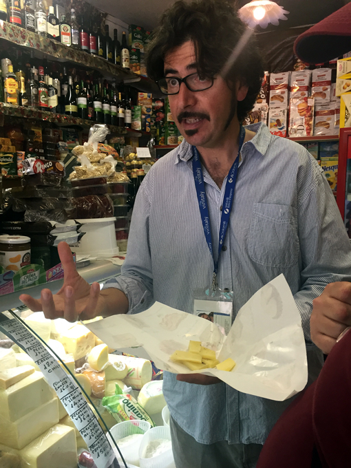Giorgio, our amazing guide for Palermo Street Food Tours | labellasorella.com