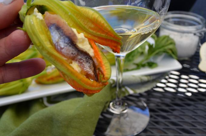 Stuffed Zucchini Blossoms | labellasorella.com