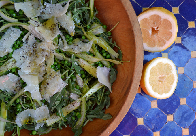 Thinly Shaved Asparagus, Wild Arugula & Pea Salad with Parmigiano | labellasorella.com