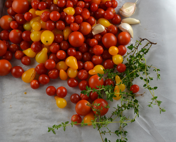 Cherry tomatoes ready for a slow oven roast | labellasorella.com