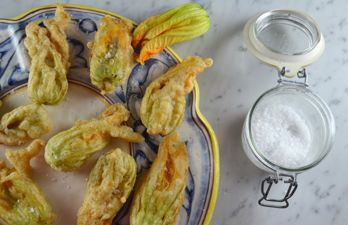 Fried Zucchini Flowers | labellasorella.com