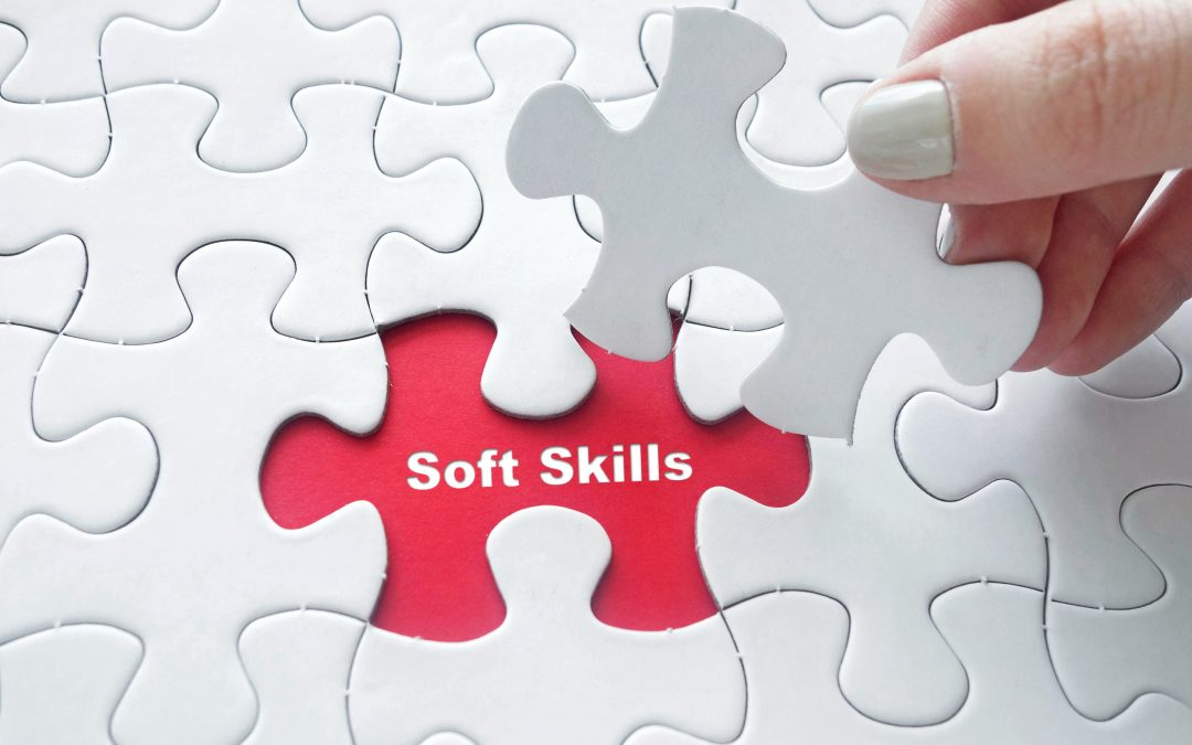 Como desenvolver habilidades comportamentais (soft skills) para ser um profissional diferenciado no mercado de trabalho