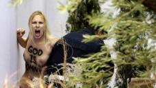 Femen, Vaticano, Natale 2014
