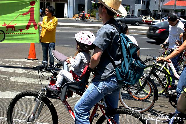 4 Errores Comunes al Pasear con Nios en Bici  la bicikleta