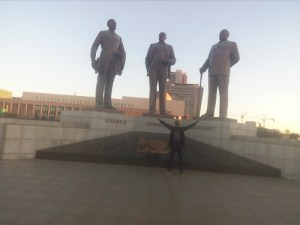 Labi Francis with the three dikgosi monument