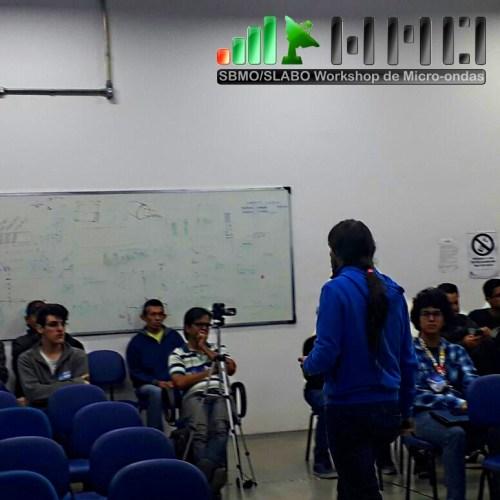 Prof. Alessandro apresenta o trabalho de pesquisa sobre Calculo Integral aplicado ao Ensino Médio.