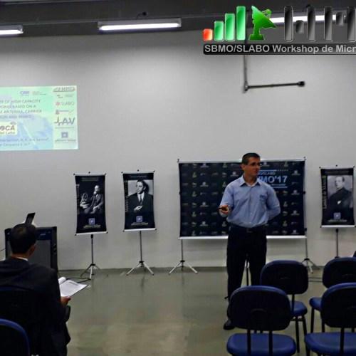 Apresentação de pesquisa inovadora de antena MIMO desenvolvida no INATEL pelo pesquisador Tércio Rodovalho e seu orientador, o Dr. Arismar Cerqueira.
