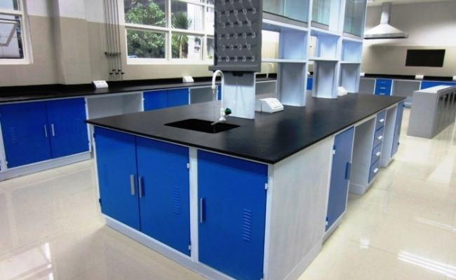 Kami Spesialis Pembuatan Furniture Laboratorium