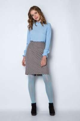 Blusa azul Falda recta, estilo tubo.