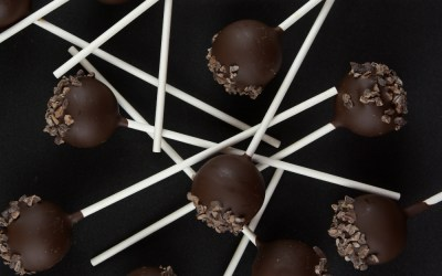 Lemon Ganache, Dark Chocolate & Roasted Cocoa Nibs Lollipops