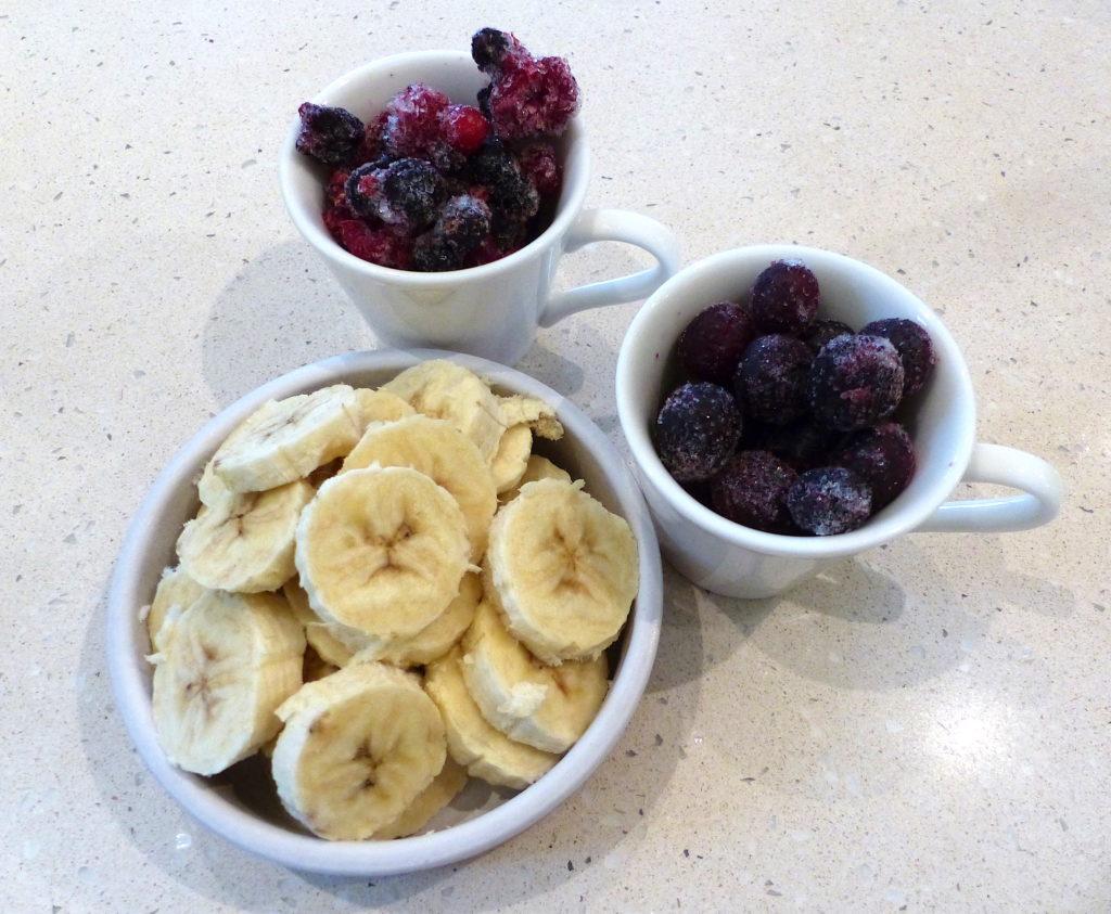entremet-glace-aux-fruits-rouges-2jpg