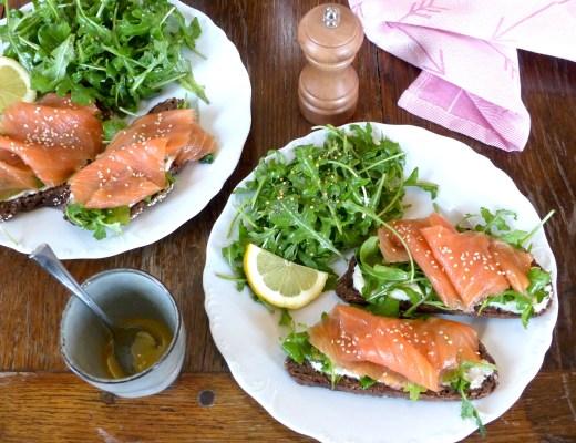 tartine-délicieuse-saumon-et-roquette-7.jpg