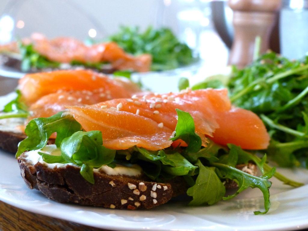 tartine-délicieuse-saumon-et-roquette-8.jpg
