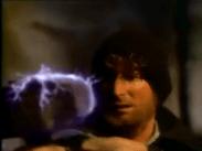 Le marteau rayonne. Image extraite de Le retour de l'incroyable Hulk.