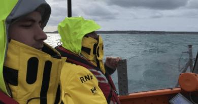 Hallaron restos de un avión en la costa de Francia: investigan si son de la aeronave que trasladaba a Emiliano Sala