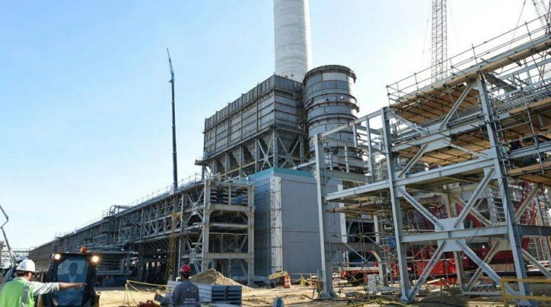 Consorcio Odebrecht-Tecnimont-Estrella acepta dar bonos completos a obreros de Punta Catalina