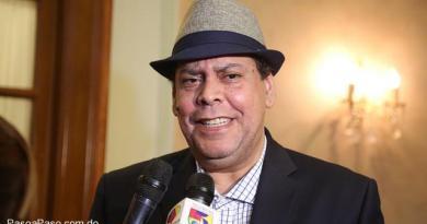 """Mánager de Fernando Villalona confirma le prohibieron participar en """"Dos millones y contando"""""""