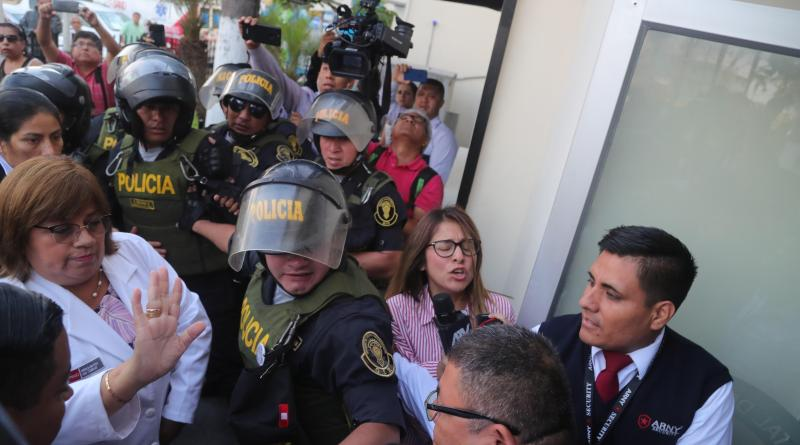 """Expresidente peruano Alan García está """"muy grave"""", informa ministra"""