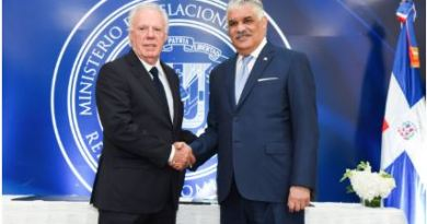 Mirex firma acuerdo para capacitar personal diplomático