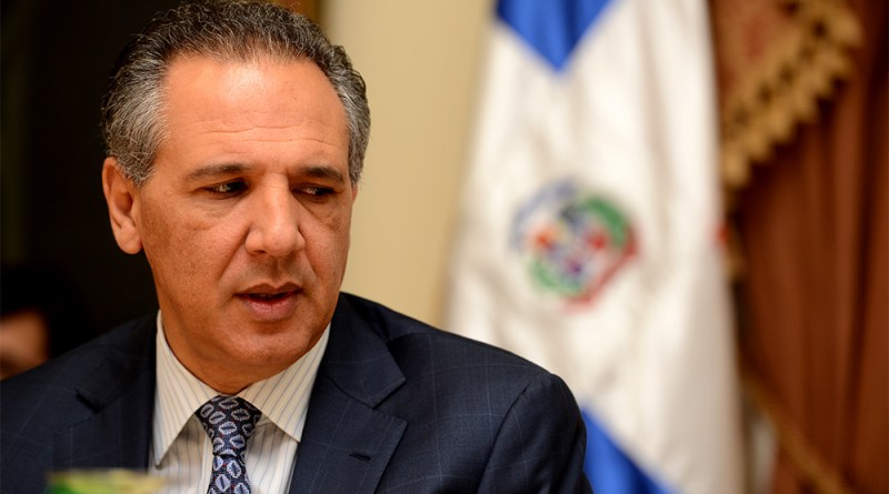 Peralta aclara nunca ha hablado de reelección y dice desconocer cantidad diputados se oponen a reforma
