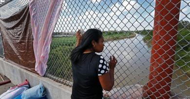 EE. UU. no tenía forma de conectar niños separados de sus padres en la frontera