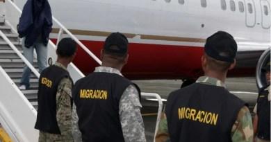 Estados Unidos informa deporta hoy 65 ex convictos hacia República Dominicana