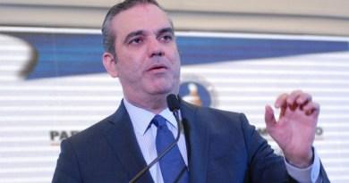 Abinader dice él y congresistas del PRM continúan firmes contra aprestos reeleccionistas