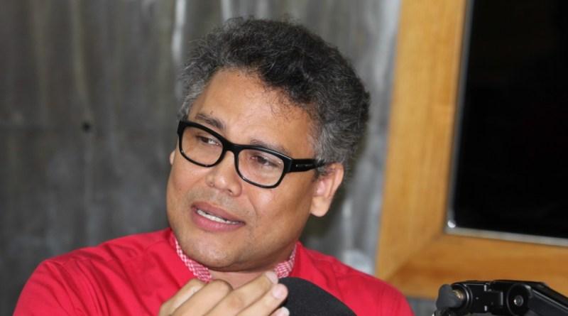 Carlos Peña llama a firma de pacto nacional que proteja familias